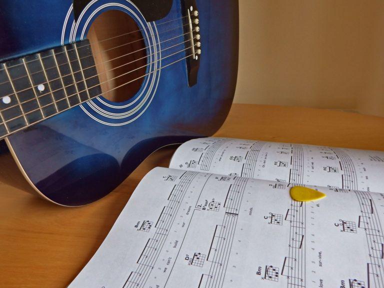 plectrum-voor-een-gitaar