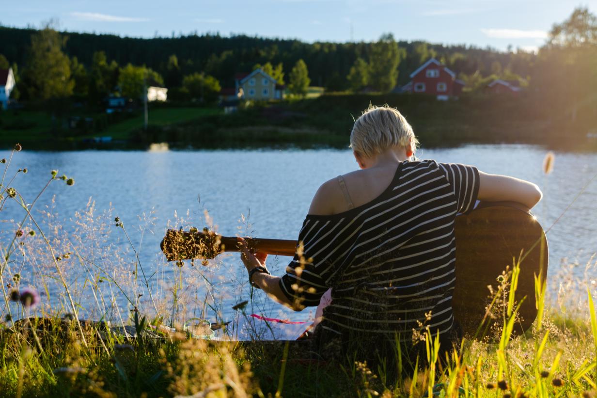 Vrouwen-in-de-gitaarindustrie